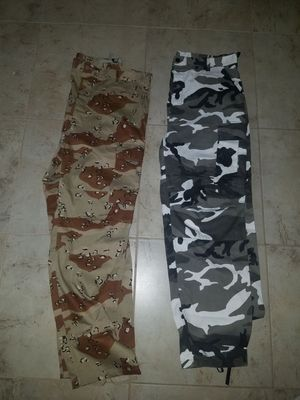 bc0e8e73140655 Army camo pants (Both XL) for Sale in Palm Beach Gardens