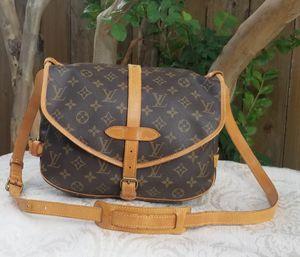 Auth LOUIS VUITTON Monogram Saumur 30 messenger crossbody bag for Sale in Arlington, TX