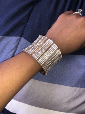 Beautiful statement cuff bracelet! for Sale in Chicago, IL