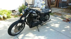 2013 Triumph Bonneville T100 motorcycle completely customized (salvage title) for Sale in Los Angeles, CA