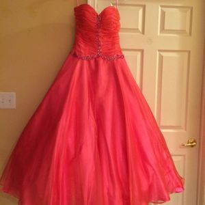 Prom/Quinceanera Dress Cinderella style, Bag included- OBO! MAKE OFFR!! for Sale in Allentown, PA