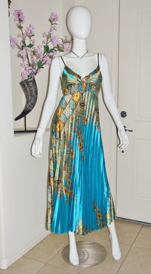 (FREE DELIVERY) gorgeous blue/gold pleated sleeveless maxi dress (can fit S and M size) for Sale in North Las Vegas, NV