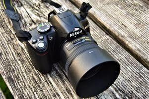 Nikon D3000 DSLR Camera W/ AF-S Nikkor 50 mm 1:1.8G for Sale in Ellicott City, MD