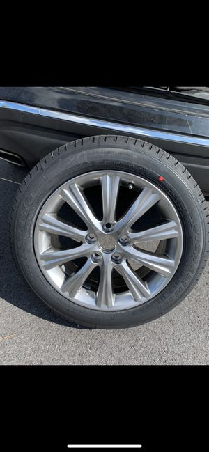 Lexus rim and tire ES-350 for Sale in Randallstown, MD
