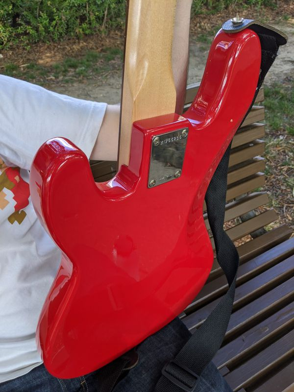 Squier by Fender Affinity Series Jazz Bass in Red electric guitar