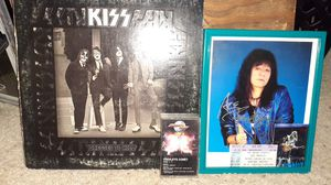 Kiss dressed to kill album and autographed ace frehley 8x10 colored photograph. for Sale in Westminster, CA