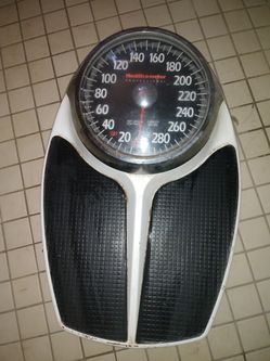 Bathroom scale for Sale in Lucerne Valley,  CA