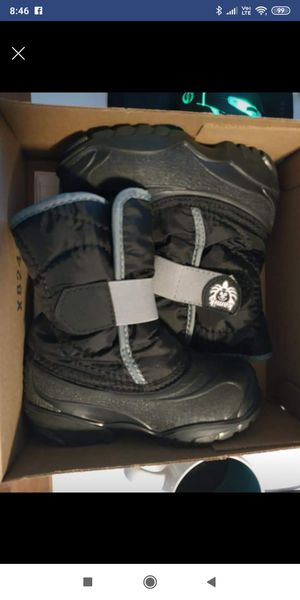 Kamilk little kid Snow Boots sz 9 for Sale in Beaverton, OR