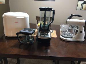 Bread Maker. Blender & Mixer for Sale in Orange, CA