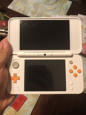 New Nintendo 2Ds Xl w/ games and LoZ case for Sale in Bonita, CA