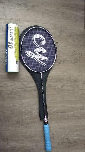 Badminton racquet + Yonex birdies for Sale in Seattle, WA