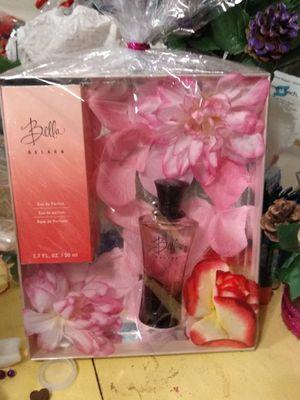 Perfume Bella de MK perfecto para regalarle a nuestra madre for Sale in Salt Lake City, UT