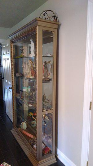 Showcase Antique gold color display case for Sale in Iberville, LA