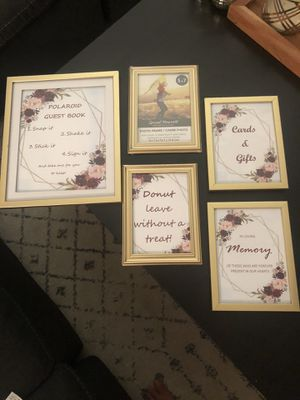 Wedding Decorations - gold picture frames (4-5x7, 1-8x10) for Sale in Charlotte, NC
