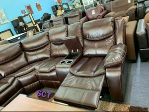 Kelliwood Brown Leather Reclining Sectional FREE DELIVERY for Sale in Austin, TX