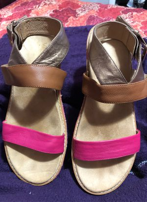 Like new vionic women's wedges size 11 for Sale in Fort Lauderdale, FL