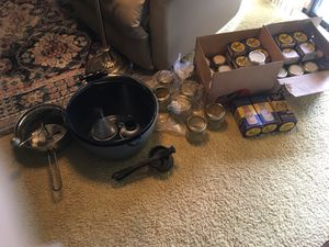 Canning Kit 2 Large Pans, 2 Mashers, Funnels, 32 Mason Jars, Dozens of Extra Lids. All for 12.00 for Sale in Oviedo, FL