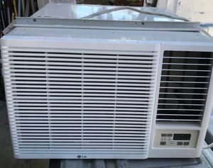 """condition: new make / manufacturer: LG model name / number: LW1815HR size / dimensions: 26"""" W x 30"""" D x 17"""" T LG Window AC/Heat Unit {AC 18,000 for Sale in Henderson, NV"""