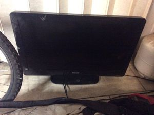 32 inch Phillips tv works great. 35. CAsh Roseville to pickup to. for Sale in Roseville, CA