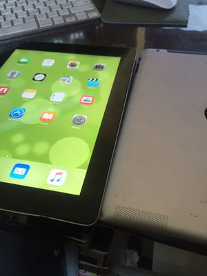(2) iPad 2/16 for Sale in Highland, CA