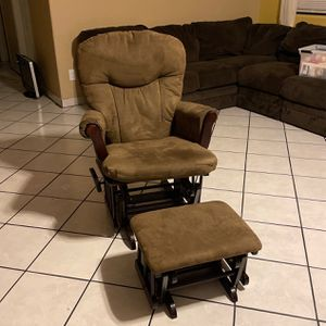 Rocking Chair for Sale in Tolleson, AZ