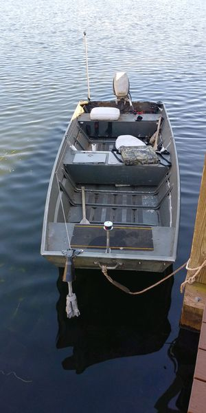 14 ft boat with trailer NO MOTOR for Sale in Aloma, FL
