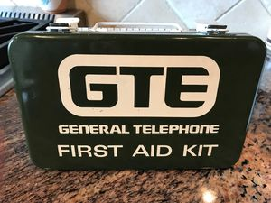 GTE first aid metal box for Sale in Snohomish, WA