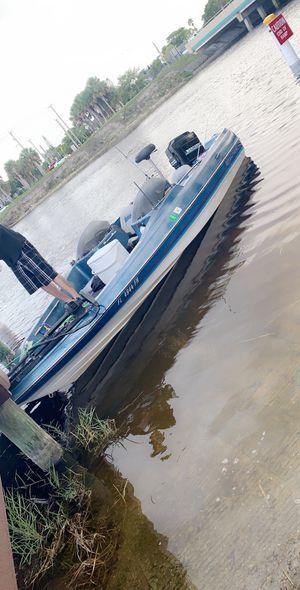 115 mercury bass boat 17 ft .88 for Sale in Pompano Beach, FL