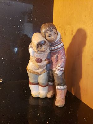 Very unusual Large Lladro Figurine Boy and Girl for Sale in Arlington Heights, IL