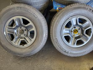 18-20 jeep wrangler JL rims and tires for Sale in Inglewood, CA