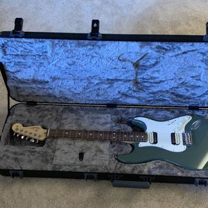 Fender American Pro Strat HHS USA with case for Sale in Burr Ridge, IL