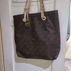 Michael Kors Brown Purse $50dls Sold As Is Pick Up Only for Sale in Norwalk,  CA