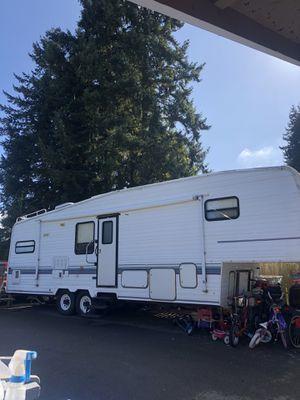Cordova fifth wheel trailer for Sale in Puyallup, WA