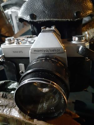 Mamiya/ canon cameras with 5 lenses. And film but its extra. Make offer for Sale in Eugene, OR