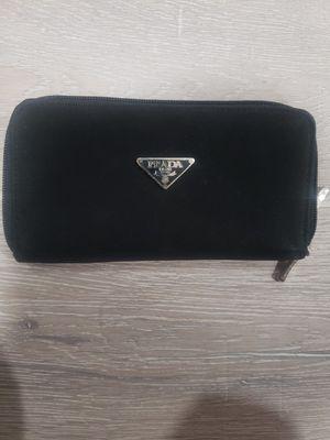 Prada woman wallet for Sale in Moreno Valley, CA