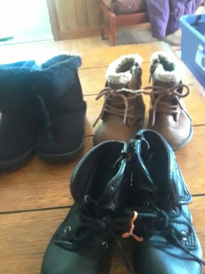 Girls size 4 boots 3 pairs for Sale in Knoxville, TN