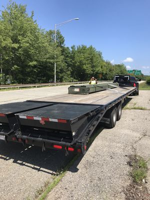 2019 PJ Trailer Gooseneck 40 Feet , Monster Ramp , Air Ride, Front Axle lift when empty, Electric Over Hydraulic Break , Bought it in June 2018 and u for Sale in Roseland, VA