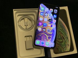Iphone XS Max 256gb Silver Factory Unlocked Smartphone Att Tmobile GSM Worldwide 100% battery ios 12.4.1 for Sale in Doral, FL