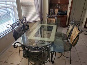 Dinning room set with 6 chairs 1 menu desk chair and 3 bar Stools for Sale in Pembroke Pines, FL