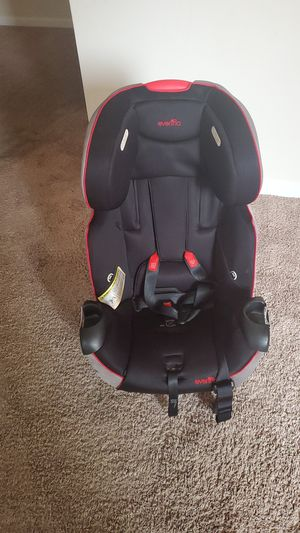 Everflo car seat barely used. 2 cup holders, extra cushion on head rest. Can fit 50 lb child easily for Sale in Stafford, VA