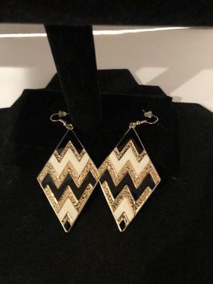 Diamond shape Black / white/ gold earrings ~ Brand new for Sale in North Las Vegas, NV