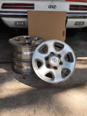 """1996 Toyota T-100/4Runner 15"""" x 6"""" rims for Sale in Valrico, FL"""