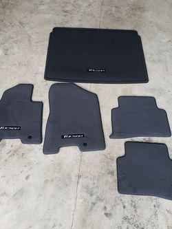 Hyundai Tucson 2021 OEM 5pc Floor Matts for Sale in Beaverton,  OR