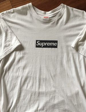 Supreme Paris Opening Box Logo XL for Sale in San Diego, CA