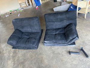 Futon bed /couch/ love seat. for Sale in Pico Rivera, CA