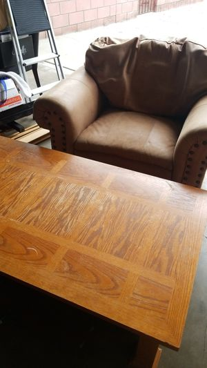 Arm chair and coffee table for Sale in Long Beach, CA