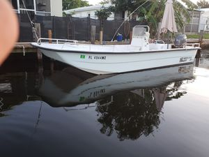 Carolina skiff big boat..the deluxe..2010 with Yamaha fourstroke.backcountry .garmin bullyneting for Sale in Pompano Beach, FL