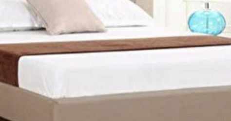 Queen Upholstered Platform Bed Complete for Sale in North Olmsted,  OH
