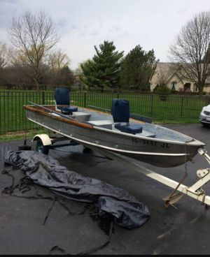 14ft aluminum boat for Sale in Chicago, IL