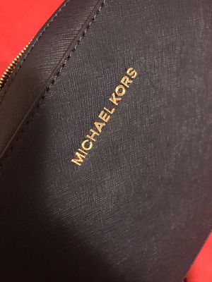 Michael Kors Crossbody Large for Sale in Baldwin Park, CA